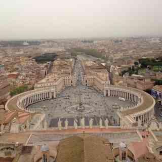 С 11 февраля 1929 года Ватикан стал независимым государством с наименованием Град Ватикан. Мало кто знает, что в римскую эпоху на Ватиканском холме был сооружен цирк для потех