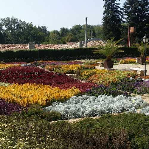 Дворец «Тихое гнездо», Bulgaria