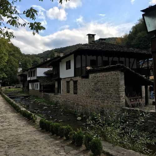 Архитектурно-этнографический комплекс «Этыр», Bulgaria