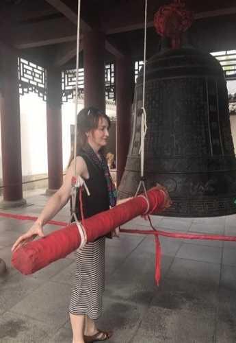 Моё желание исполняется с ударом колокола, Ухань, Китай лето 2018