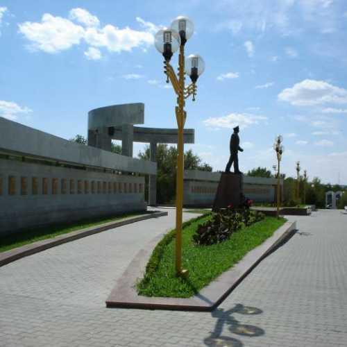 Аллея героев и памятник Б.Б. Городовикову, Russia