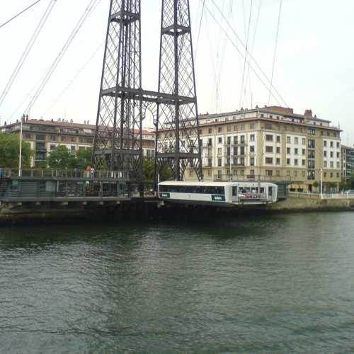 Бильбао.переправа через реку.передвижной.