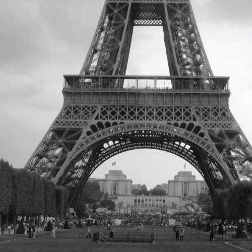 Ейфелева Башня, Франция