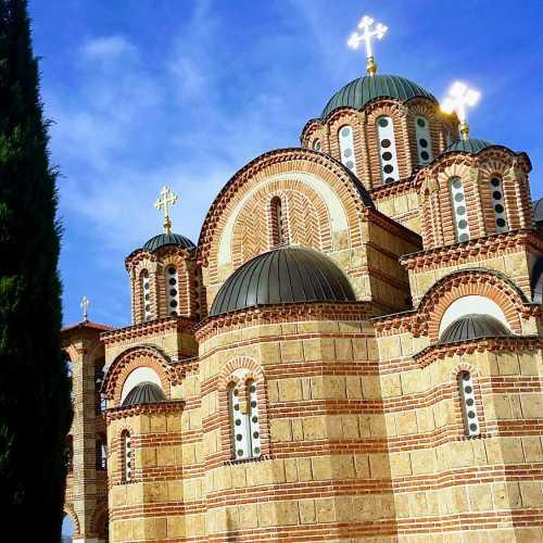 Церковь и смотровая площадка — главная достопримечательность города Требине