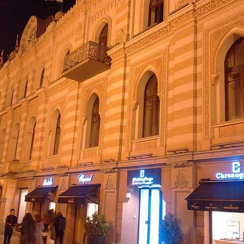 Здание бывшего горсовета Тбилиси, площадь Свободы