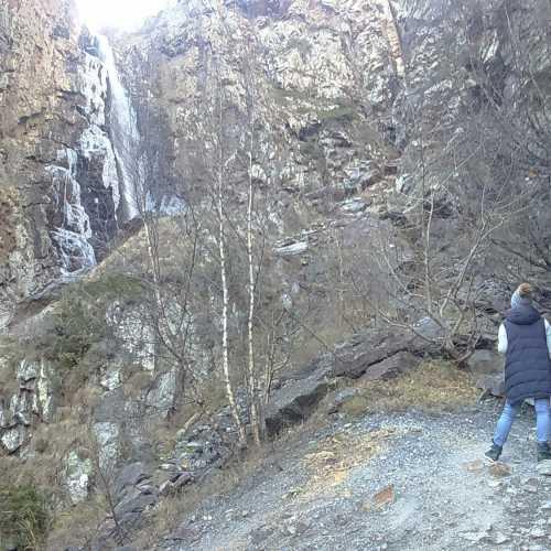 Водопад Гвелети, Дарьяльское ущелье