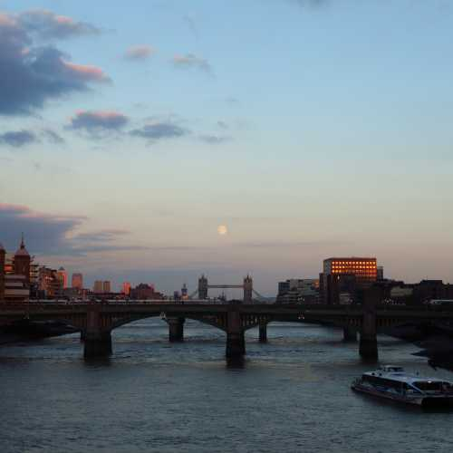 View from the Millenium bridge in London