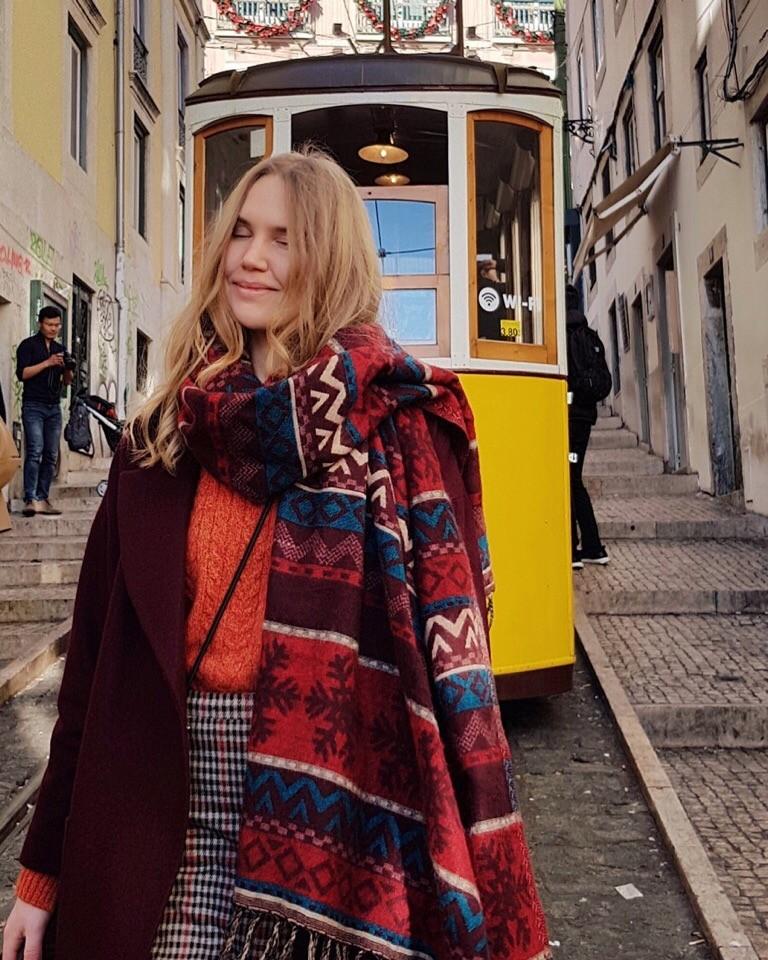 Цветной трамвайчик