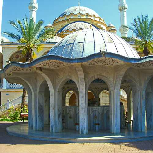 Самая большая мечеть в регионе Антальи