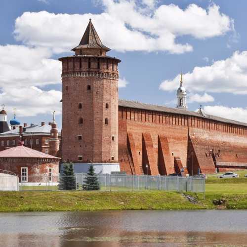 Мари́нкина ба́шня — одна из семи сохранившихся до наших дней башен Коломенского Кремля. Построена в 1525—1531. Размещалась между Грановитой и Борисоглебской башнями кремля.