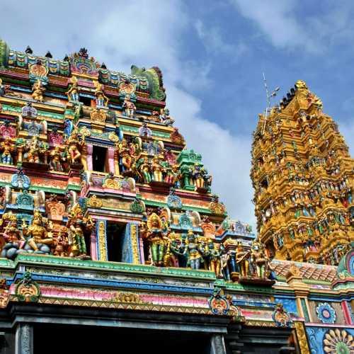 Индуистский храм богини Ума Парвати