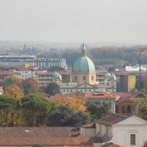 Вид на город с башни Гуинидже, Лукка
