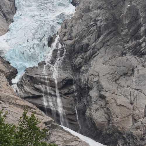 Ледник Бриксдальсбреен