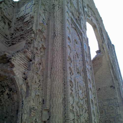 Руины((