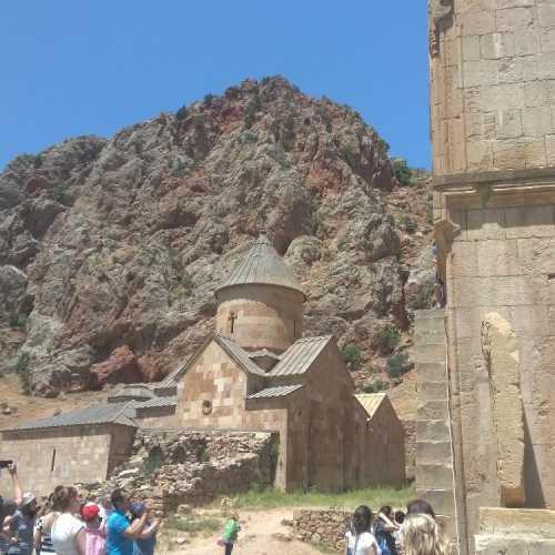 Нораванк. Монастырь в скалах