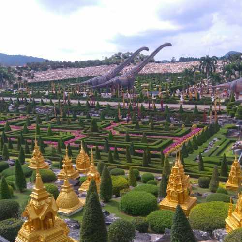 Нонг Нуч, Таиланд