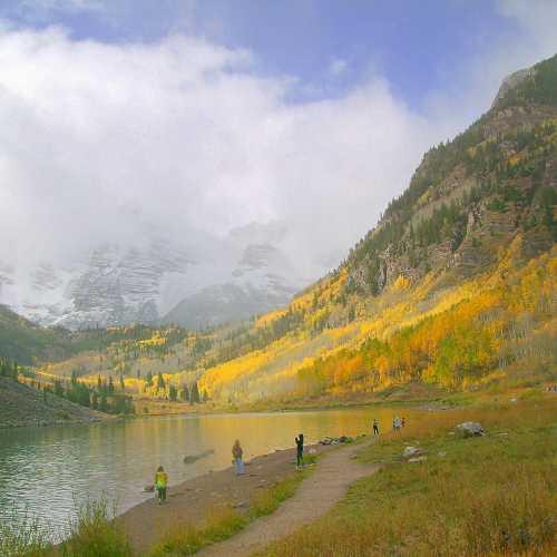 Autumn in Maroon Bells, Aspen Colorado