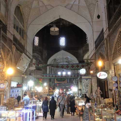 Qeysarieh Bazaar, Иран