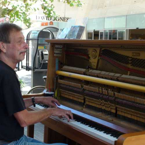 Perth piano street player John Gill
