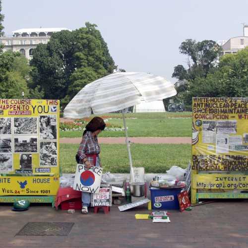 Washington D.C. abeam White house.
