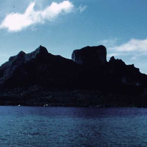 Bora Bora. Mount Otemanu.