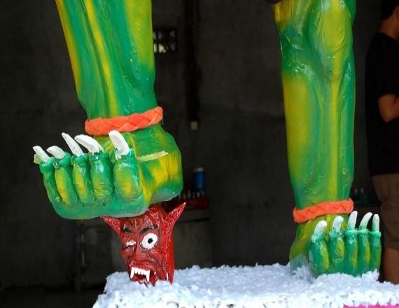 Ого-ого - демоны Нового года на острове Бали