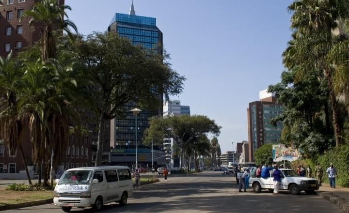 От побережья до побережья - Зимбабве