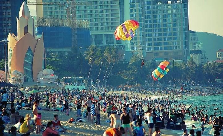 Как пляжный Нячанг празднует День победы