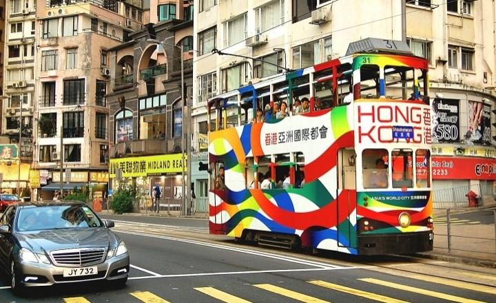 Трамваи - самый красочный и дешевый транспорт Гонконга