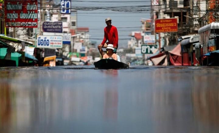 Бангкок под водой. Наводнение в Тайланде