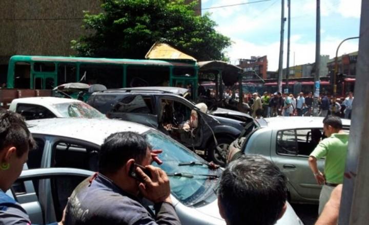 Взрыв бомбы в Боготе, Колумбия