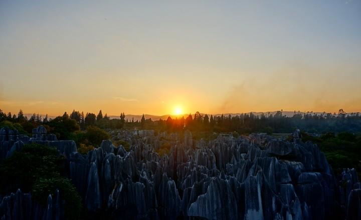Лавка древностей в городе вечной весны... Куньмин. Провинция Юньнань.