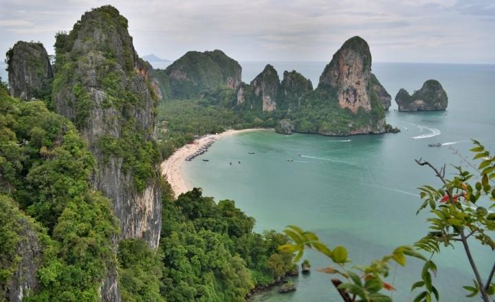 Пляж Тон Сай сверху