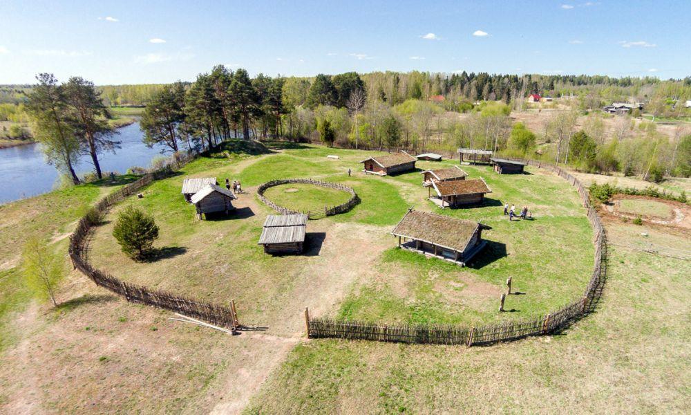 Славянская деревня 10 века